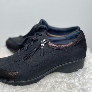 Dansko Loretta Oxford Platform Sneaker in Black